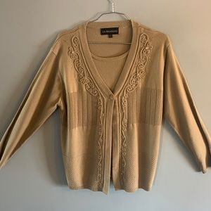 🥰2/40🥰 Tan sweater with insert size lrg